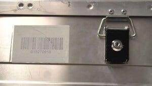 Eine Dokumenten-Transportbox aus Metall, abschließbar. Auch digitale Archive sollten maximal geschützt werden.